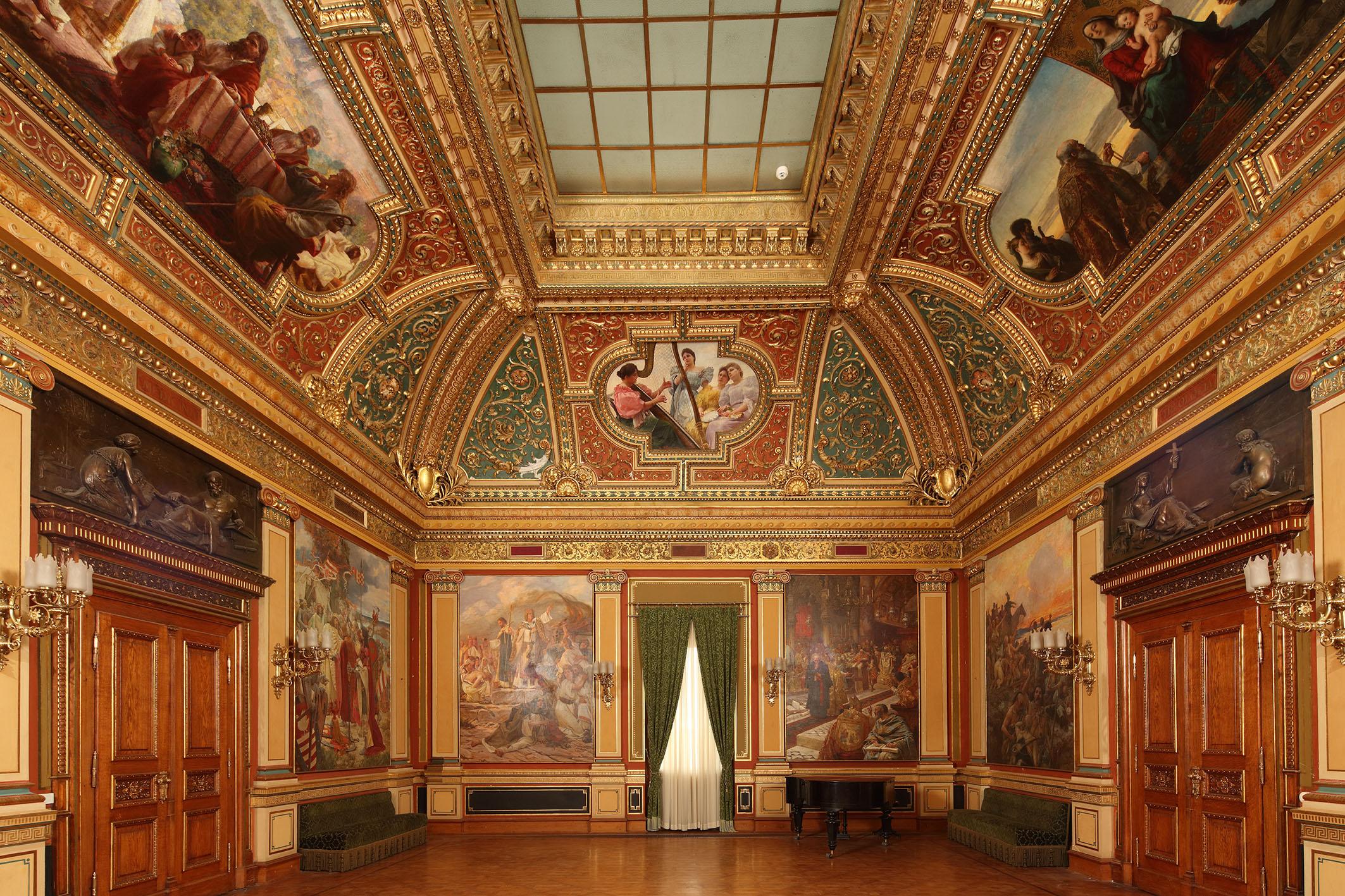 Izložba 'Povijest i umjetnost na zidovima Palače u Opatičkoj 10 u Zagrebu' u Klovićevim dvorima